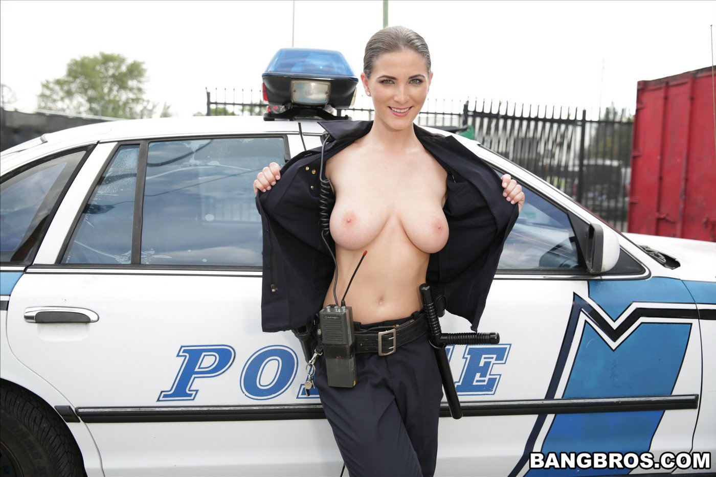 Girl cop sex in police car